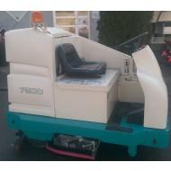 Tennant Aufsitz-Scheuersaugmaschine 7200 - gebraucht